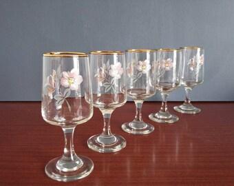 Floral Sherry Glasses // Vintage Pink Flower Stemmed Shot Aperitif Glasses // Gold Rim // Set of 5 // 1970s