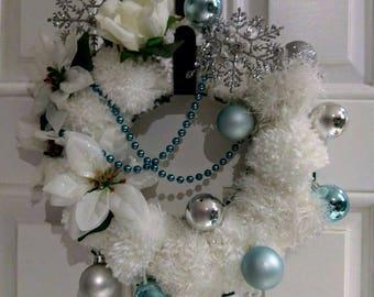 Pom pom Christmas wreath ice queen