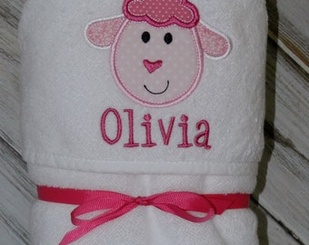 Lamb Hooded Baby Towel / Personalized / Baby Gift / Shower Gift