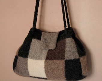Bag felted wool Plaid black and white - Boiled Wool Handbag - felted wool - tote bag