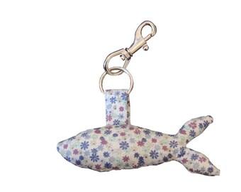 Fish keyring - small blue flower pattern