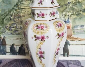 An Exquisite & Beautiful British Vintage Floral Vase!
