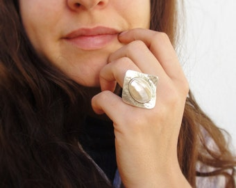 Mother of Pearl Shell Ring - Seashell with Silver plated Ring
