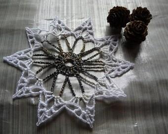 Small doily crochet Christmas decoration