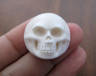NEW ARRIVAL  carved  skull cabochon ,  Flat back, Jewelry making Supplies  S8097-20