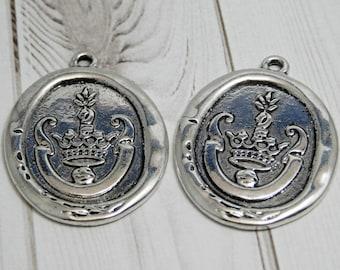 2 or 4pcs - 36x28mm - Crown Pendant - Wax Seal Pendant - Antique Silver - Silver Pendant - Metal Pendant  -  (B690)