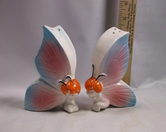 Salt and Pepper Retro 1950s Ceramic Pixie Elf  Vintage Pixie Butterfly Shakers. epsteam