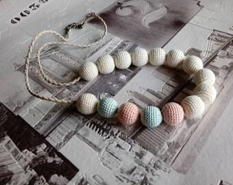 Crochet beads necklace