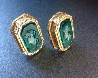 Vintage Intaglio Cameo Style Ladies Portrait Earrings - Emerald Green and Gold Clip Back