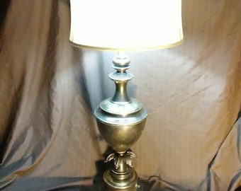 Vintage Stiffel Brass Hollywood Regency table lamp