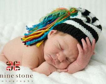 NeWBoRN KNiT BoY HaT Baby Photo Prop Stocking Cap BiG RAiNBoW TaSSEL Black White Stripe Cap Coming Home Beanie PiCK CoLOR Chuckles Toque