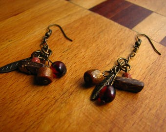 3603 -  Earrings  nacre, ambre, coral, coconut shell, charm, chain