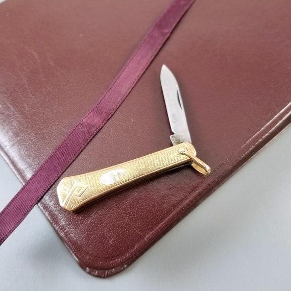 Vintage Art Deco gold filled pocket knife fob with bail, single blade, folding knife, pendant bail, charm, necklace, signed SOB Bigney