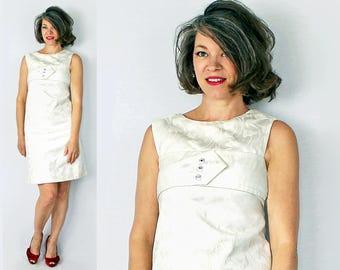 "1960s Dress / 60s Dress / XS Dress / Mod Dress / Shift Dress / White Dress / 60s Mini Dress / 1960s Mini Dress / Sun Dress / Bust 31"""
