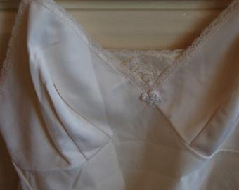 Vintage lingerie. Vintage full slip shaper. Ecru full slip. Vintage ladies Wear