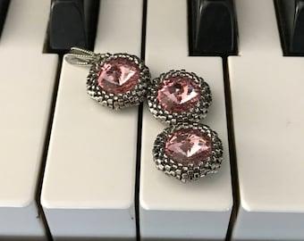 3-crystals-pendant, elegant, beaded, handmade, made of Swarovski crystals and silver beads