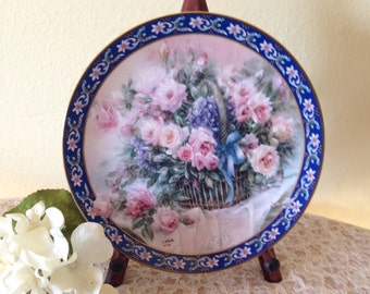 """Lena Liu """"Roses"""" Collectible Plate by Bradex"""