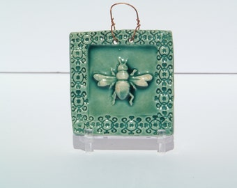 Honey Bee Tile in Turquoise