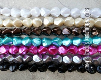 Strand/15  20mm Acrylic Nugget Pearl Beads  -  Chunky Necklaces -   colors - March Madness Clearance