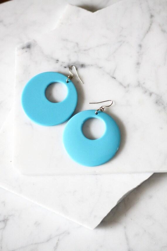 1960s blue circle earrings // 1960s mod earrings // vintage earrings