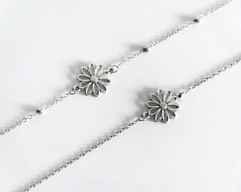 Daisy Chain Choker / Daisy Satellite Beaded Chain Choker / Flower Choker / Dainty Simple Choker