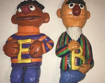 PBS Sesame Street Bert Ernie Chalkware Plaster Wall Hanging Vintage 1975