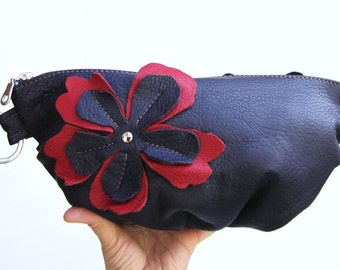 Purple leather Wristlet with flower applique, eggplants leather clutch