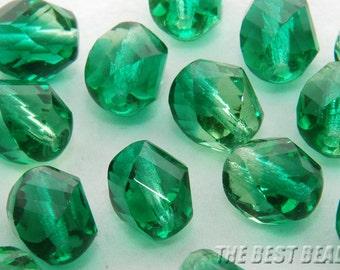 20pcs Green Chiseled Oval Fire Polished Czech Glass Beads 10x8mm
