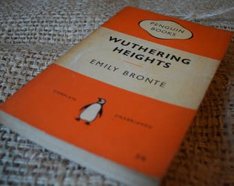 Wuthering Heights. Emily Bronte. A Vintage Penguin Book. 524. 1959