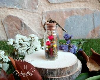Terrarium necklace, vial pendant, glass vial necklace, floral pendant, dried flowers necklace, vintage pendant, real flowers necklace