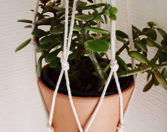 Hanging macrame planter / Macrame hanging plant
