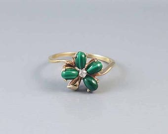 Vintage 10k gold green malachite diamond 4 leaf clover shamrock ring / size 8 / good luck / lucky / irish / ireland / mid century / Claddagh
