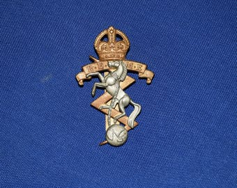 Royal Electrical and Mechanical Engineers Cap Badge - Pre 1953
