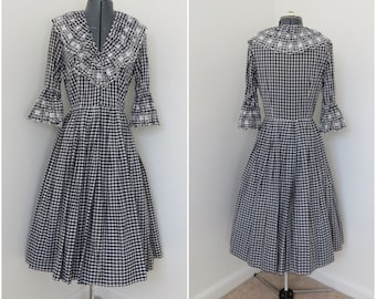 1950s Rockabilly Western Dress - Navy & White Gingham Dress - Womens Bust 36 - Square Dance Dress with Eyelet Bell Sleeves (B2) and Collar