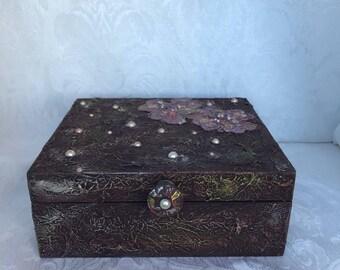 Love, Laugh, Smile, Keepsake Altered Cigar Box
