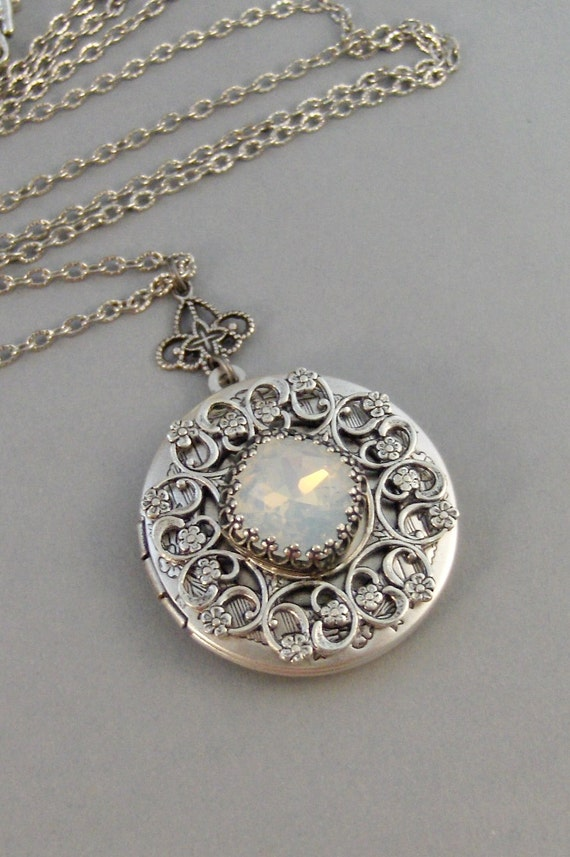 victoria nouveau gold in art pendant products lockets opal and antique