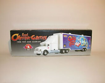 1996 TEXACO Izzy's Olympic Games Toy Car Carrier 4th In Series