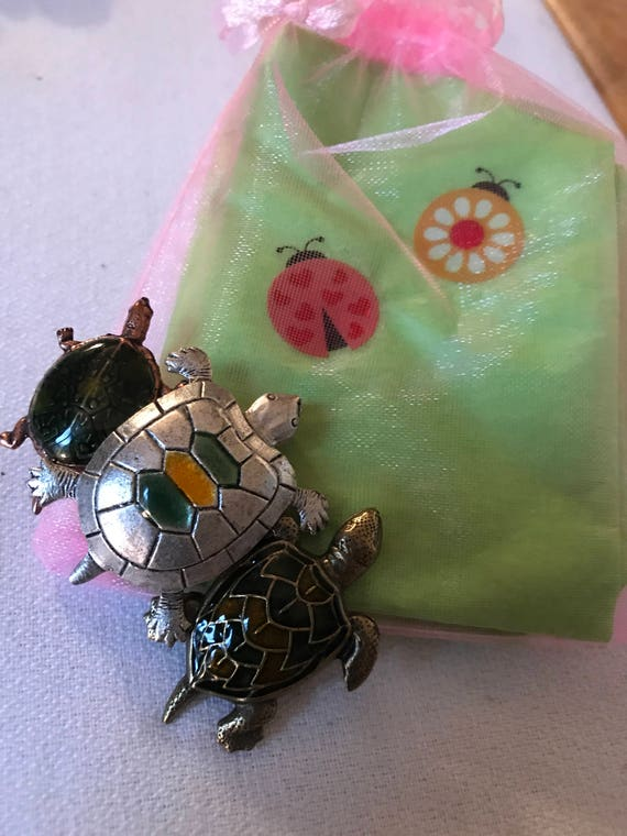 Bling Treat! 20 Dollar Bling goodie this one is an unworn Vintage Enamel trio of Turtles Brooch Great treat gift