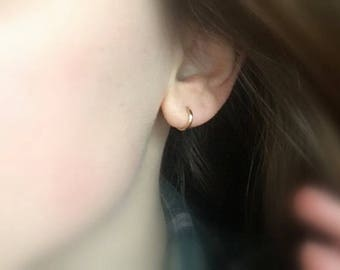 Huggie hoops earrings - Small hoop earrings - small gold hoop earrings - gold hoop earrings - Tiny hoops - Thin hoops - Minimalist earrings