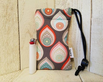 Modern padded pipe bag, size small