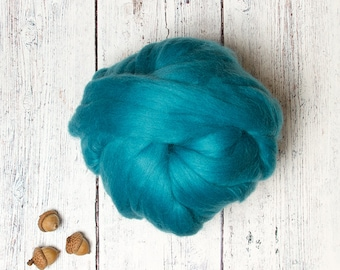 Turquoise 4 oz Ethical Merino Wool Roving Combed Top Sliver Fiber, Aqua, for Felting, Spinning, Animal Friendly from Non-mulesed sheep