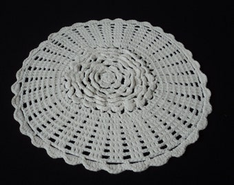 Vintage French hand crochet white cotton doily  (01948)