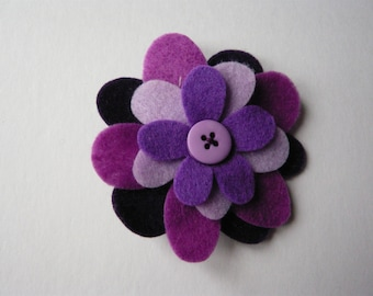Felt flower brooch / present topper