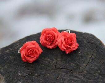 roses earrings, red bride earrings, red roses, red bride, flower earrings, bridesmaids roses, wedding stuff, red studs earrings, red wedding