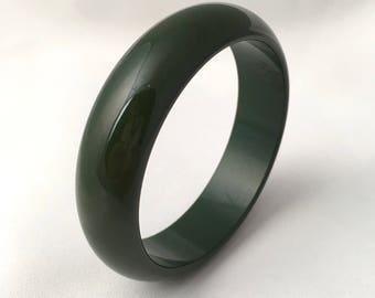 Vintage bracelet half olive green bakelite Bangle