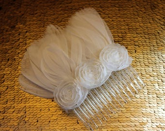 Hair comb, bridal hair comb, white feather hair comb, hair accessory, feathers hair accessory