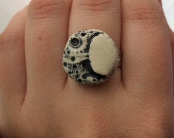 Ceramic moon Adjustable Ring
