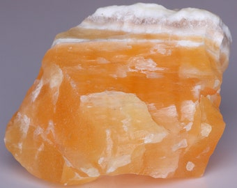 Lovely Large Natural Smooth Honey/Yellow White Calcite Onyx Stone