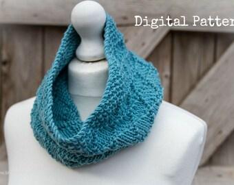Knitting Pattern/Written DIY Instructions - Diamonds Chunky Cowl