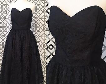 50s Style Sweetheart Swing Dress